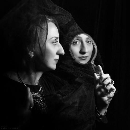 Женщина в зеркале. Санкт-Петербург, 2015
